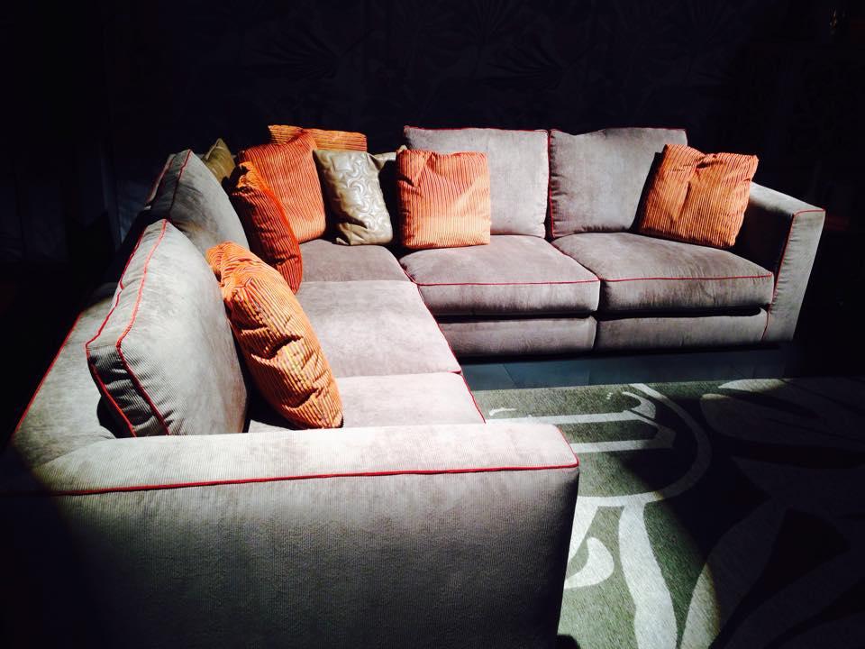 מה צריך לדעת על בחירת בד נכון לסלון שלי?